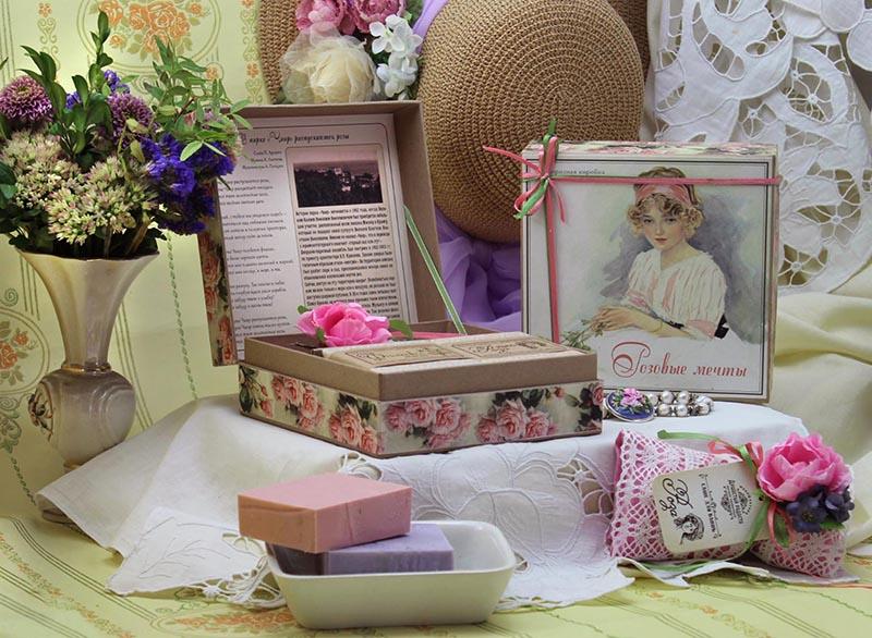 Сюрпризная коробка Розовые мечты